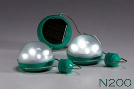 nokeron2002 The Nokero N200   a solar light bulb making a real difference