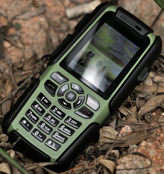 vigisruggedmobilephone2 Vigis Cell Phone Walkie Talkie is Rambo rugged and oh so versatile