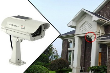 solarpowerdummycamera2 Solar Powered Dummy Camera   keep your place safe with sunshine security Inc