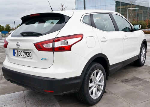 nissanqashqai11 Nissan Qashqai 2014 Diesel   74 mpg, auto parking and more tech than a space shuttle [Review]