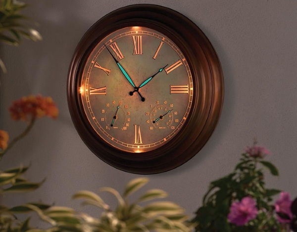 """24"""" Outdoor Lighted Atomic Clock – a clock for all time"""