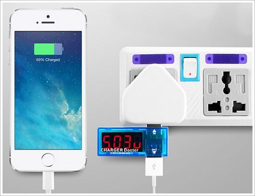 usbvoltagetester3 1 Charge Doctor USB Voltage and Current Tester   helps protect your phones and tablets from charging disasters
