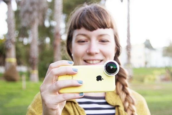 photojojo smartphone lens in use